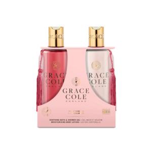 grace cole zestaw do pielęgnacji ciała żel pod prysznic i balsam do ciała w różowym kolorze w przezroczystych butelkach prezentowany na białym tle