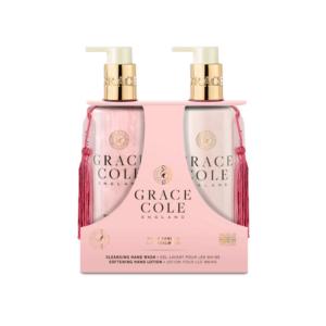 grace cole zestaw do pielęgnacji rąk mydło w płynie i balsam do rąk w różowym kolorze w przezroczystych butelkach prezentowany na białym tle