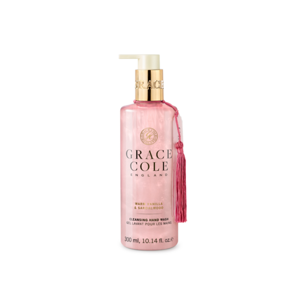 grace cole mydło w płynie do rąk o zapachu wanilii i drzewa sandałowego w różowym kolorze w przezroczystym opakowaniu na białym tle
