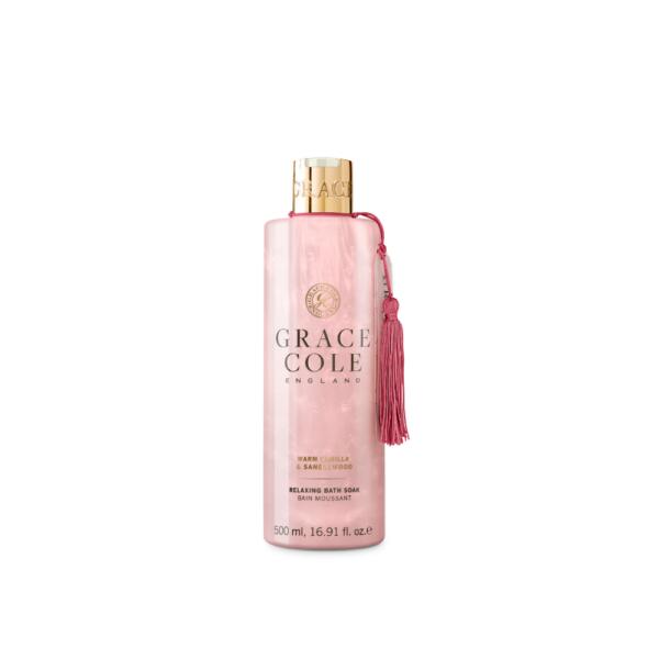 grace cole płyn do kąpieli w różowym kolorze o zapachu wanilii i drzewa sandałowego w przezroczystej butelce przedstawiony na białym tle